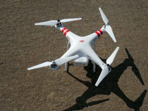 quadrocopter-407395_1280